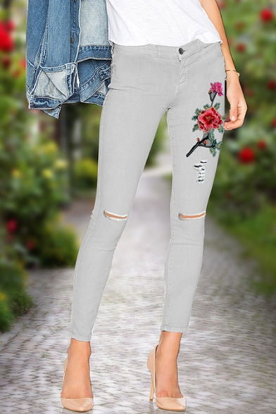 Embroidery Floral Pattern Broken Knees High Waist Jeans