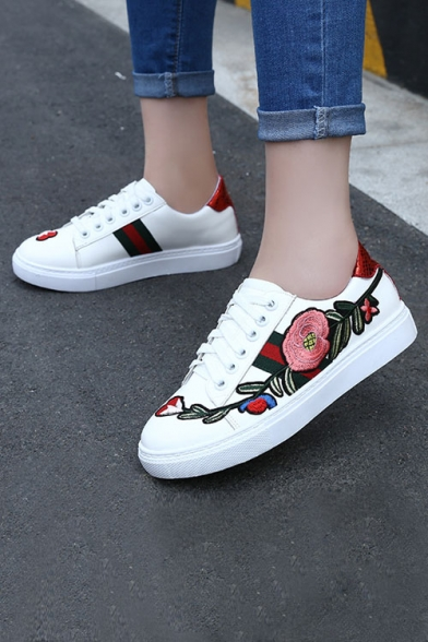 Women's Leisure Embroidery Floral Pattern Tied Flat Sport Shoes