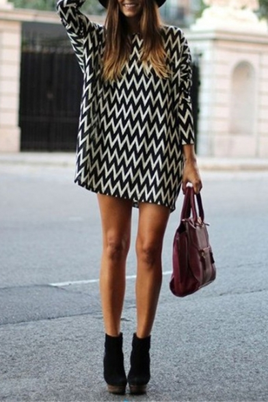 New Fashion Round Neck Chevron Long Sleeve Short Dress in Loose Fit