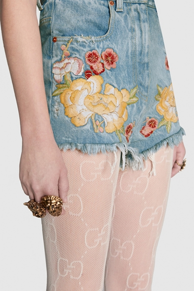 Fancy Floral Embroidered Zipper Fly Pocket Detail Raw Edged Hot Pants Denim Shorts