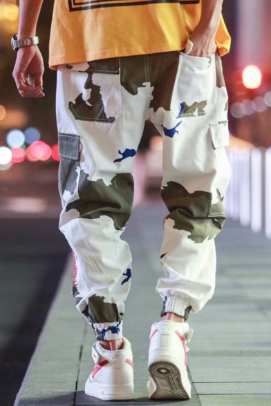 Guys Hip Hop Fashion Camo Letter Logo Printed Drawstring Waist Casual White Cargo Pants