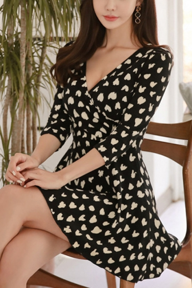 Summer's Allover Heart Printed V-Neck Three-Quarter Sleeve Black Mini A-Line Dress