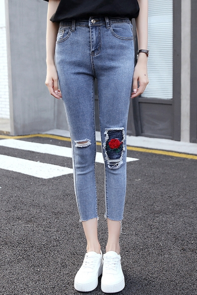 New Trendy Floral Embroidered Destroyed Ripped Blue Cropped Slim Fit Jeans for Women