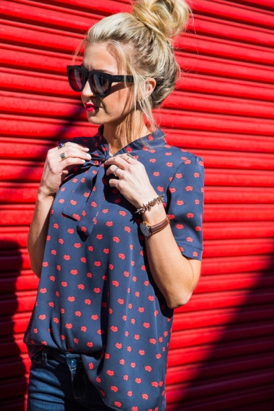 Fashion Allover Red Lip Printed Bow-Tied Collar Short Sleeve Casual Chiffon Blouse Top
