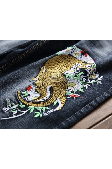 Cool Fashion Tiger Embroidery Pattern Ripped Detail Black Denim Shorts for Men