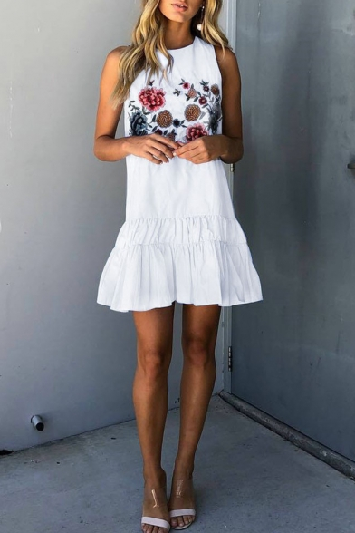 Chic Floral Embroidery Round Neck Sleeveless Mini Tank Ruffled Dress