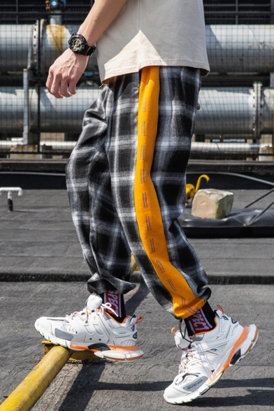 Guys Street Style Trendy Colorblock Plaid Pattern Ribbon Embellished Casual Loose Track Pants