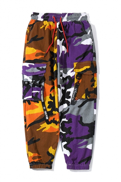 Men's Cool Fashion Colorblock Camouflage Printed Ribbon Embellished Drawstring Waist Hip Pop Trendy Cargo Pants with Side Pockets (Pictures for Reference)