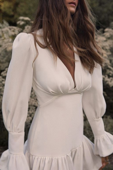 Womens Fashionable White Bell Long Sleeve V-Neck Ruffle Hem Mini Party Dress LM571136 фото