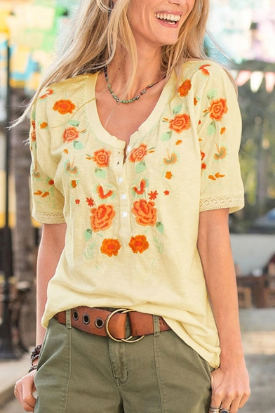 Popular Women's Short Sleeve Round Neck Flower Embroidery Relaxed Fit T Shirt