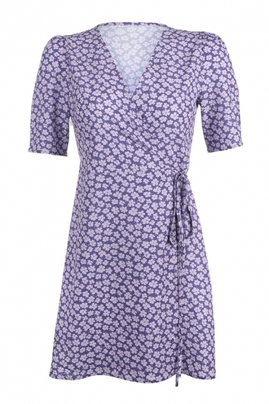 Glamorous Ladies Short Sleeve Surplice Neck Ditsy Floral Patterned Bow Tie Waist Short A-Line Wrap Dress in Purple