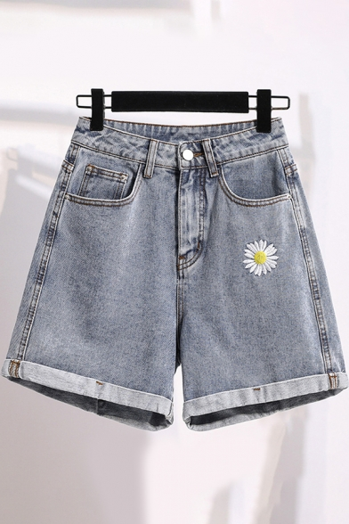 Фото #1: Cool Popular Girls High Waist Daisy Embroidery Roll Cuffs Relaxed Fit Denim Shorts