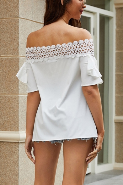 Chic Amazing Womens White Short Sleeve Off the Shoulder Lace Trim Ruffled Relaxed Fit Blouse in White