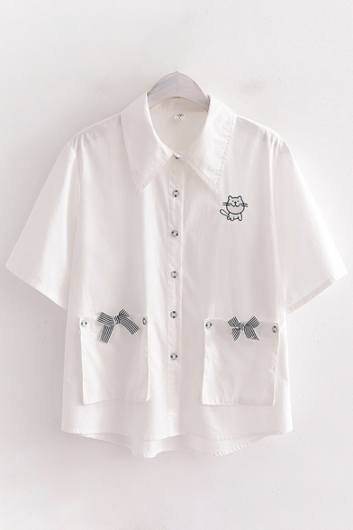Cute Womens Short Sleeve Point Collar Button Up Cat Embroidered Bow Tie Pockets Panel Relaxed Shirt in White