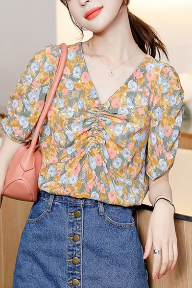 Trendy Allover Floral Printed Short Sleeve V-neck Ruched Relaxed Blouse Top for Women