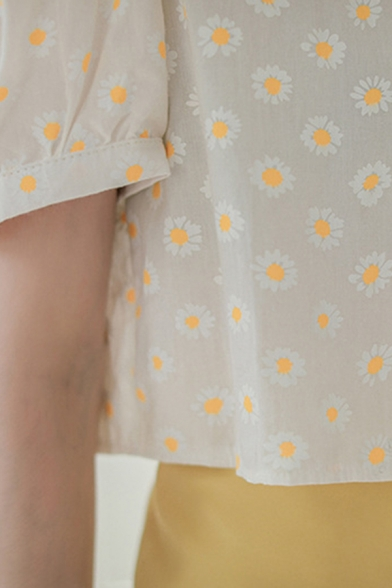 Allover Daisy Floral Pattern Puff Sleeve Square Neck Button down Relaxed Crop Chic Shirt Top in White