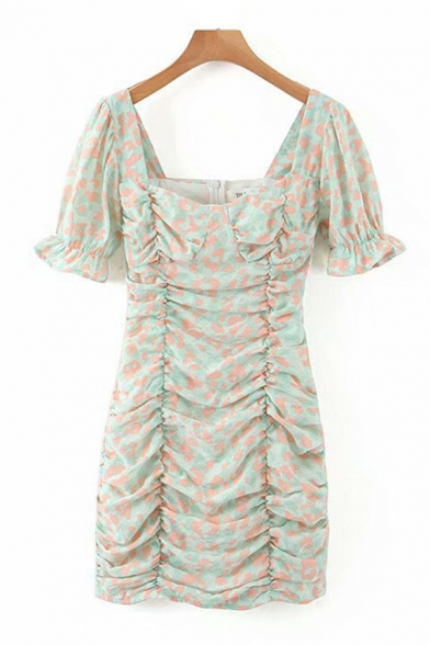 Cute Girls All Over Floral Printed Puff Sleeve Sweetheart Neck Ruched Mini Sheath Dress in Green