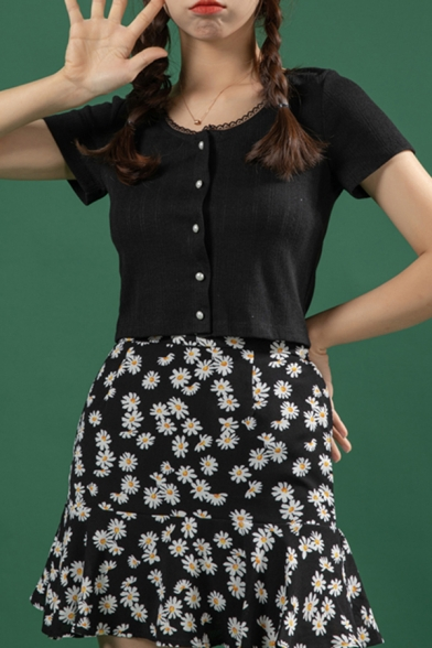 Fancy Ladies Knit Pearl Button up Short Sleeve Lace-trimmed Solid Color Fit Cropped Top