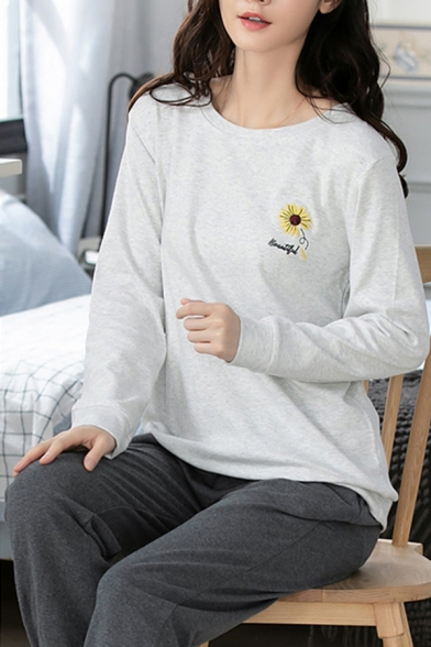Cozy Letter Beautiful Sunflower Embroidered Long Sleeve Crew Neck Relaxed T Shirt & Tapered Fit Pants Pajamas Set in White