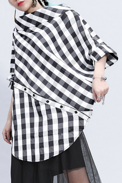 Stylish Womens Shirt Checkered Pattern 3/4 Batwing Sleeve Boat Neck Oblique Button Curved Hem Loose Shirt in Black-white