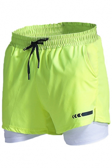 Trendy Men's Fitness Shorts Double Layered Icon Pattern Drawstring Waist Side Pockets Regular Fitted Shorts