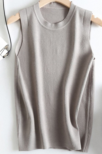 Basic Women's Knit Vest Solid Color Round Neck Sleeveless Regular Fitted Knit Vest