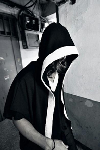 Men Fashionable Hoodie Contrasted Half Sleeve Zip Closure Loose Fit Hoodie in Black