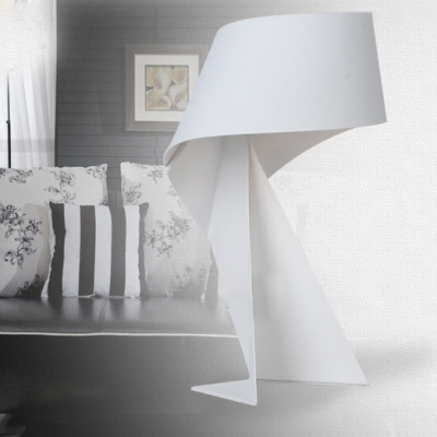 Modern Metal Made Mini Table Lamp In White Black Red