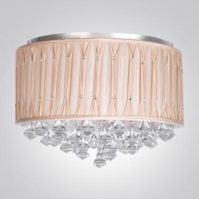 Glittering Crystal Diamonds Hang Together 21.6