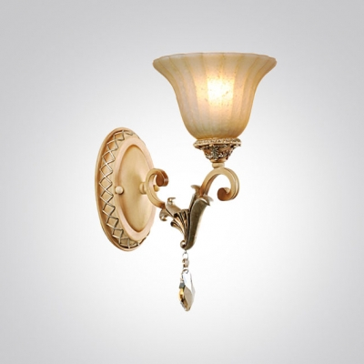 Fabulous Vintage Style Crystal Accented Sparkling Single Light Wall Sconce with Delicate Oval Base