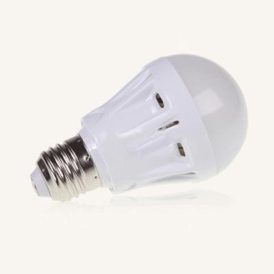 E27 7W 2835SMD  Cool White Plastic LED Globe Bulb