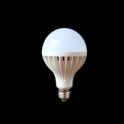 Plastic 220V E27 12W Cool White Light LED Globe Bulb