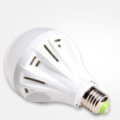 5Pcs Cool White Light Ball Bulb 220 E27 3W SMD2835