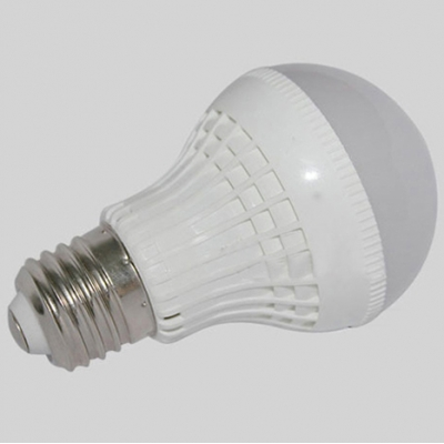3000K 180° E27 9W  LED Ball Bulb in White
