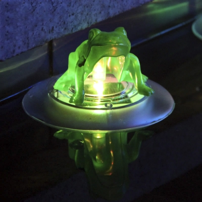 Color Changing 5'' Wide Frog LED Solar Power Decorative Floating Light
