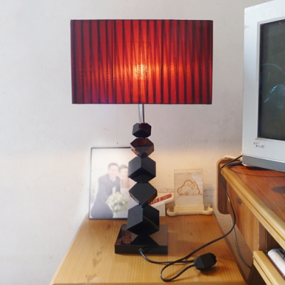 Merveilleux Modern Table Lamp With Black Standing Cube Base Rectangle Red Shade    Beautifulhalo.com