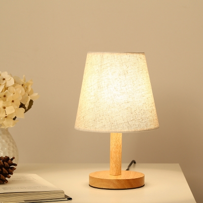 Vintage Accent Table Lamp with Wooden Base in White