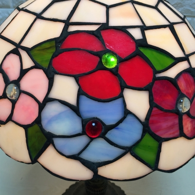 11 8 W Table Lamp With Floral Glass Shade In Tiffany Style Multi