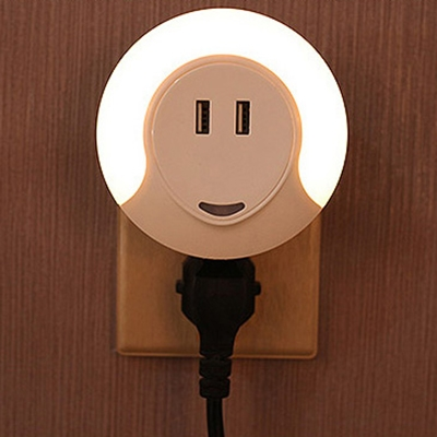Auto Sensing Plug-in Min Wall Night Light with Socket and USB