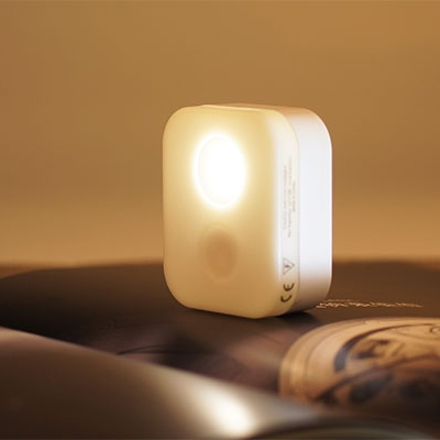 Chargeable Magnet Sticking Mini Touch Sening Night Light 2 Style for Option