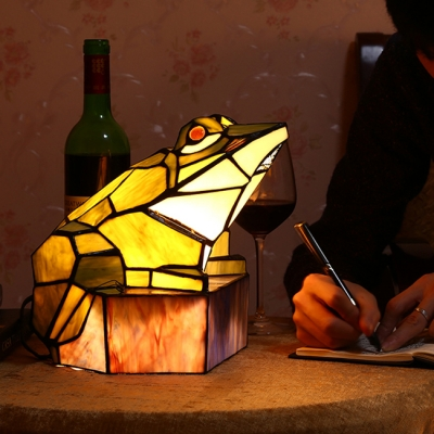 Frog Shape Stained Glass Table Light for Kids Room in Tiffany Style