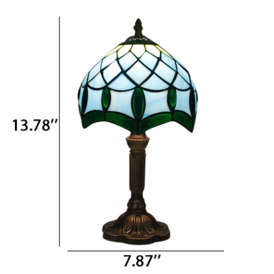 Mediterranean Style Graceful Pattern Tiffany Glass Table Lamp in Green&White