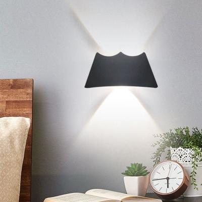 Modern Low Wattage 3W Energy Saving Led UP/Down Wall Light 6.10