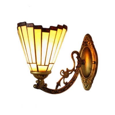 Geometric Wall Sconce Simple Tiffany Style Stained Glass Wall Light in Amber for Bungalow Villa