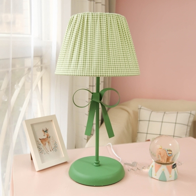 Green Trellis Design Standing Table Light with Bowknot Fabric Shade 1 Bulb Table Lamp for Living Room