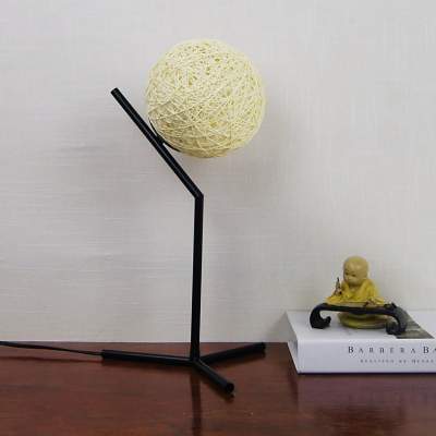 Weave Ball Shade Desk Light Contemporary Metal Art Deco Table Lamp for Studio Study Room