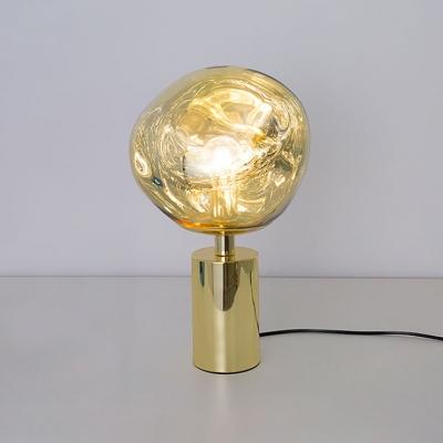 Designers Style Melt Table Light Acrylic Single Light LED Desk Lamp in Gold for Bedroom