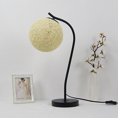 Designers Style Colorful Weave Table Light Wire Powered Desk Light with Curved Arm