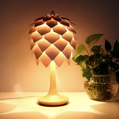 Pinecone Shade Table Light Lodge Creative Woody Desk Light in Natural Wood Finish