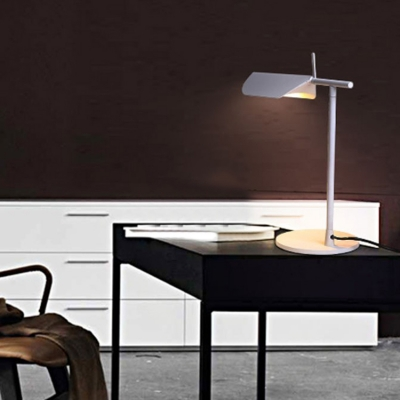 White Finish Folded Table Lamp Contemporary Metallic 1 Head Standing Table Light for Bedroom